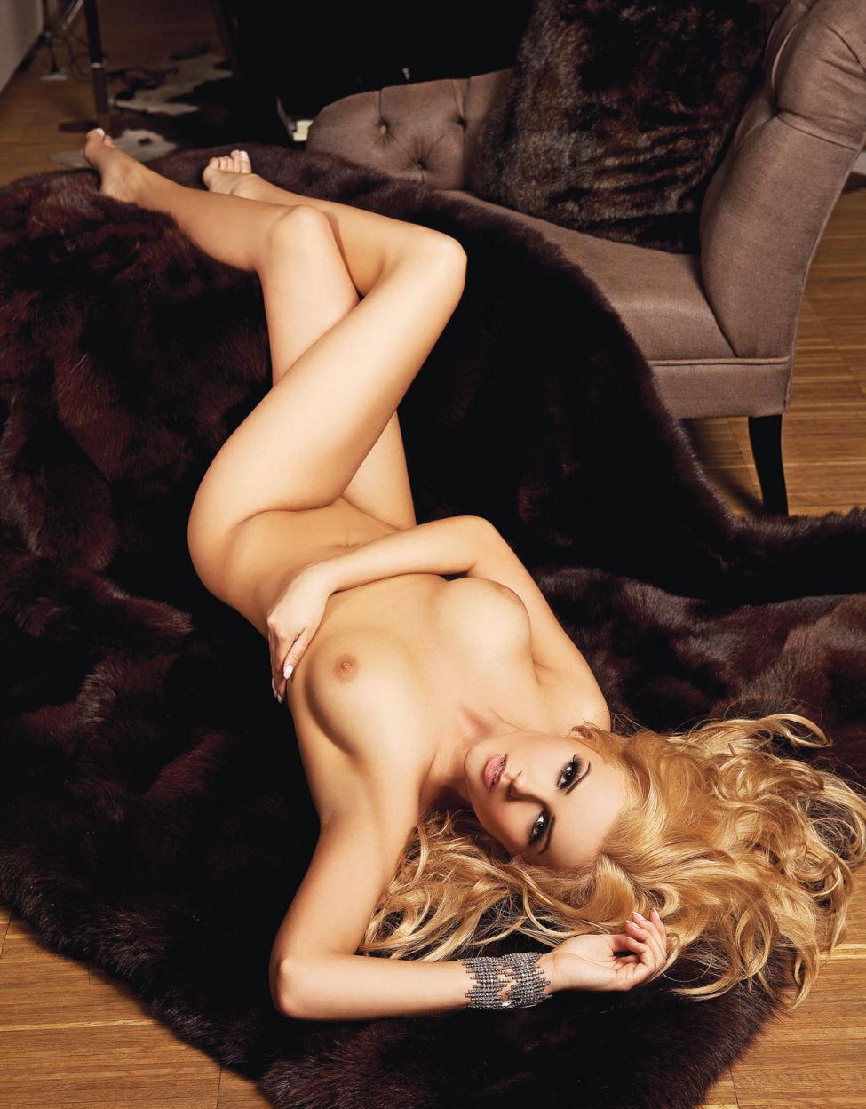 Nude Pics Of Angelika Jak...