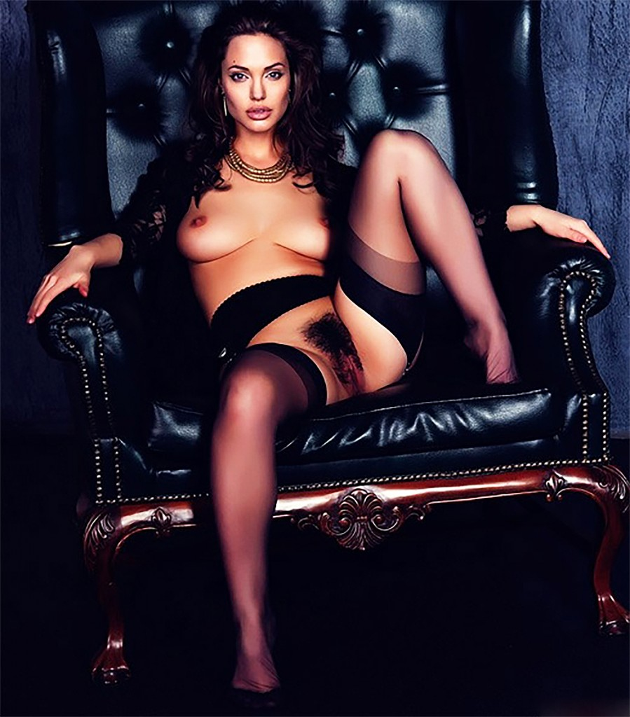 Angelina-Jolie-Naked-899x1024