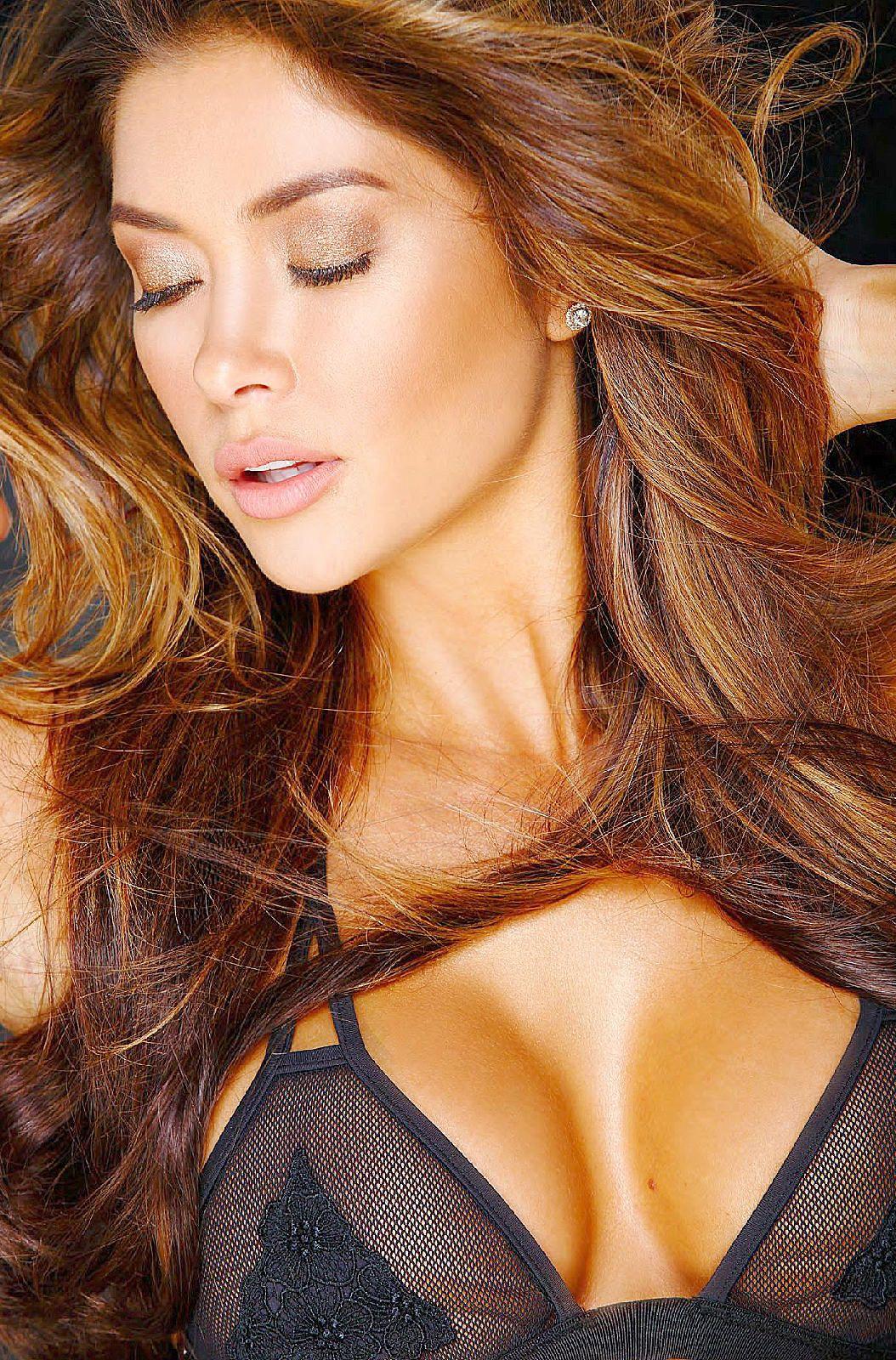 Sexy Pics Of Arianny Cele...