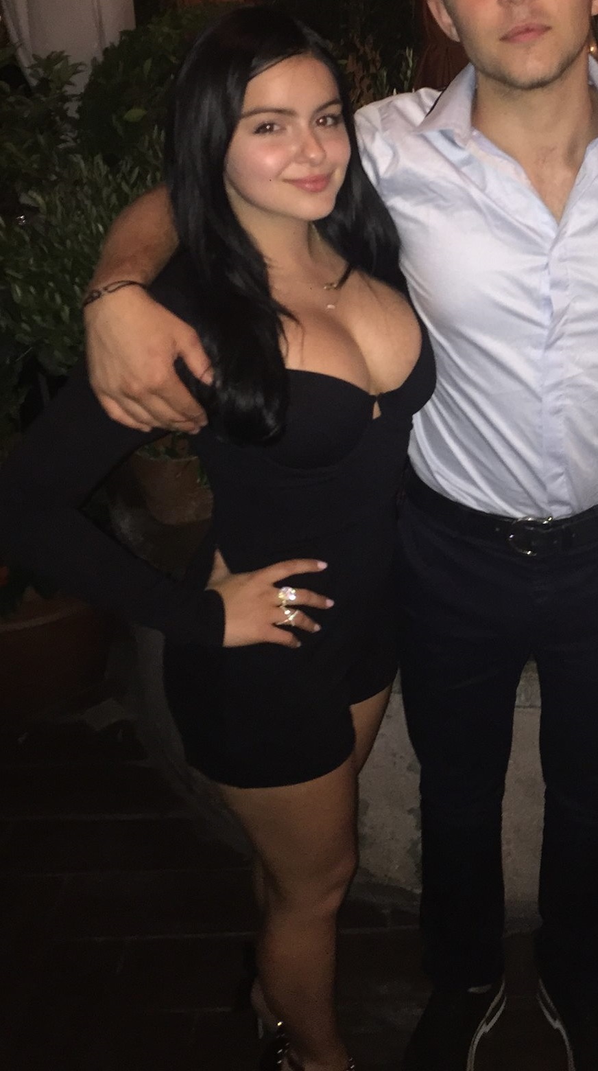 Ariel-Winter-Cleavage-9