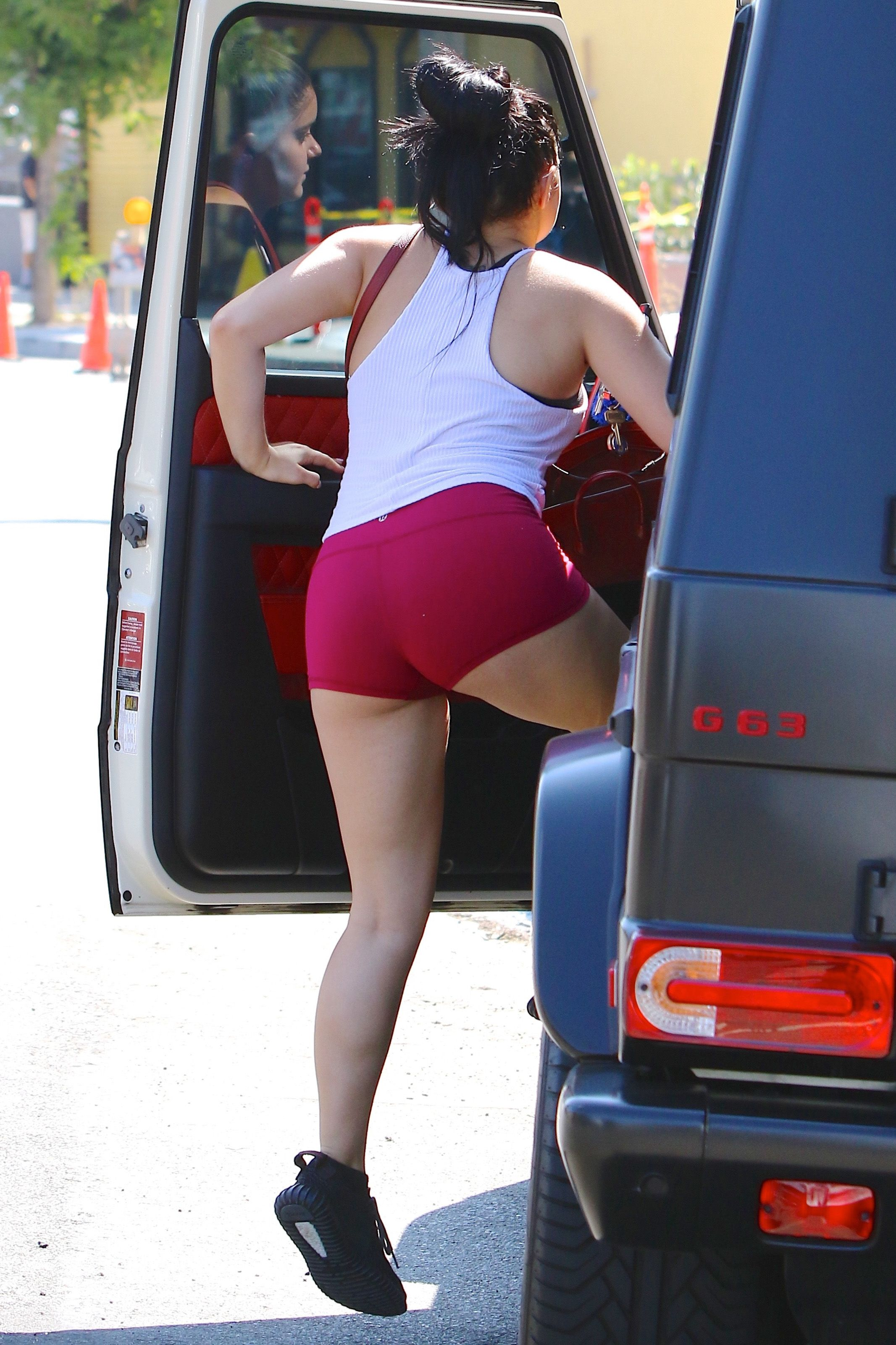 Ariel Winter Ass Photos