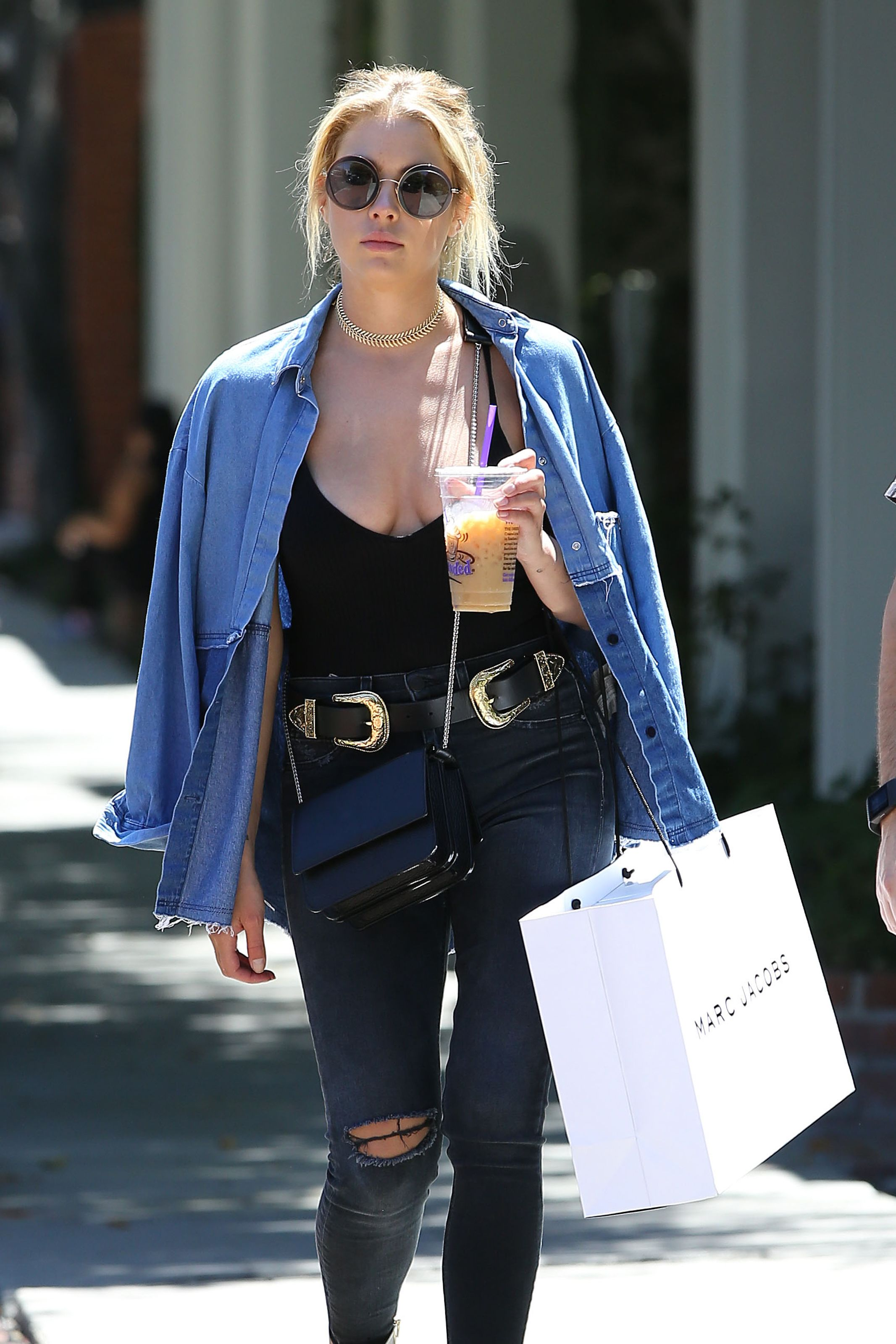 Ashley Benson Braless Pho...