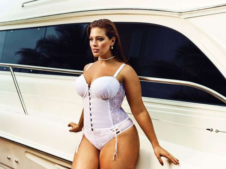Hot Pics Of Ashley Graham