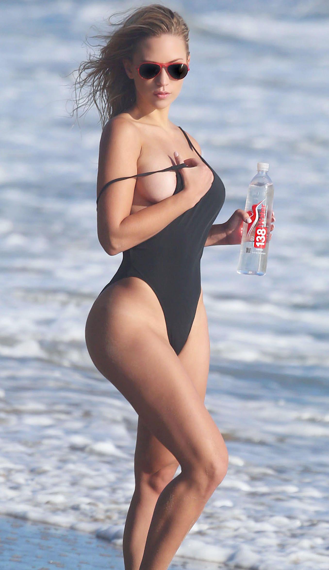 Ava Lange