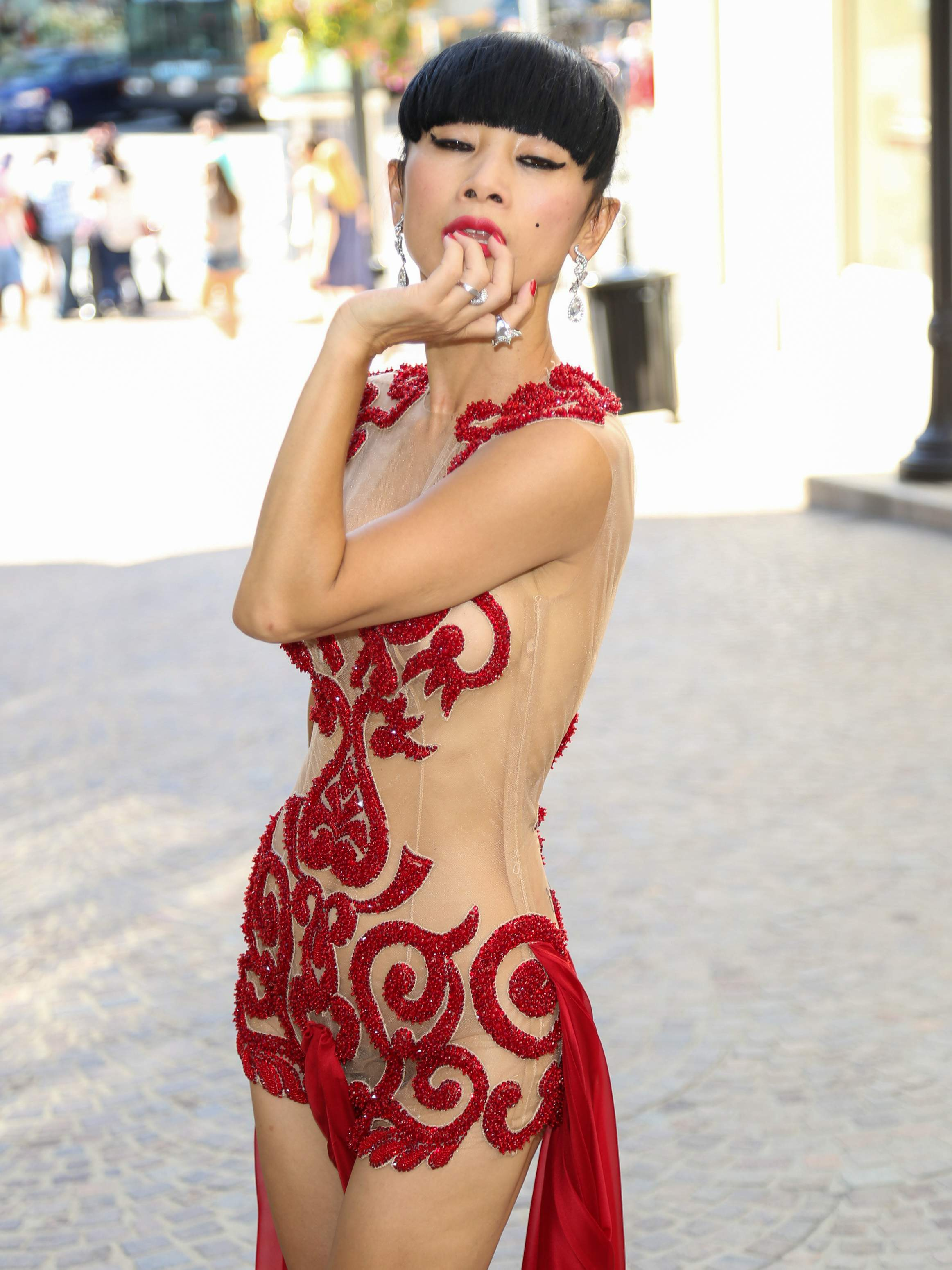 Bai Ling See-through Phot...