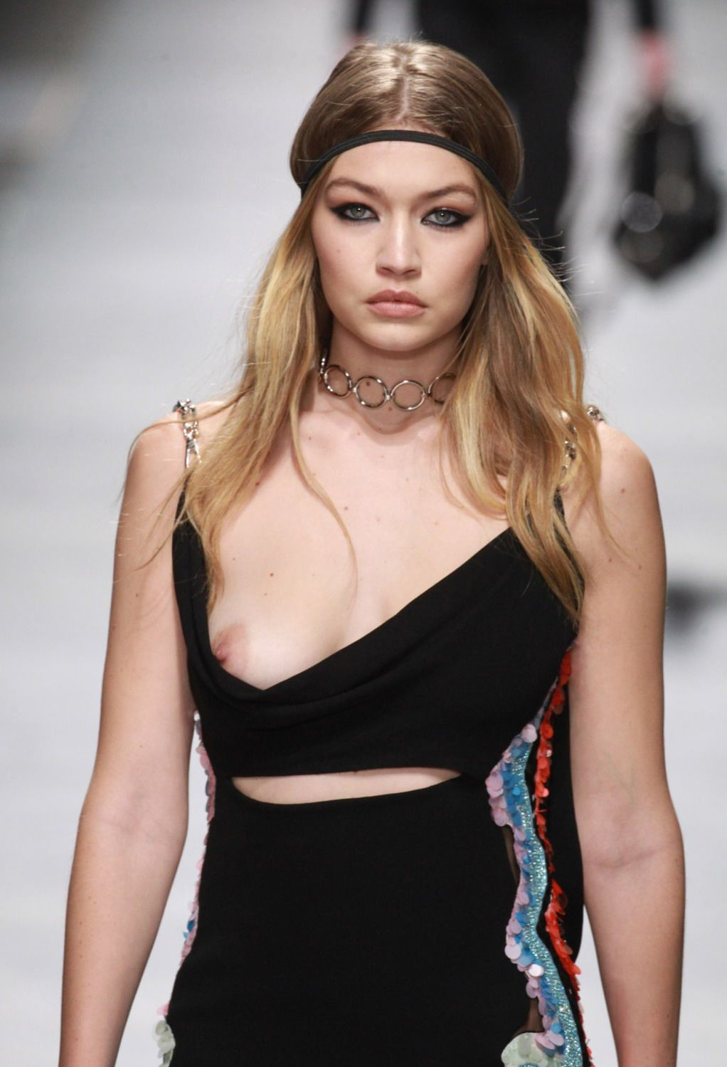 Gigi Hadid Boobslip Photo...