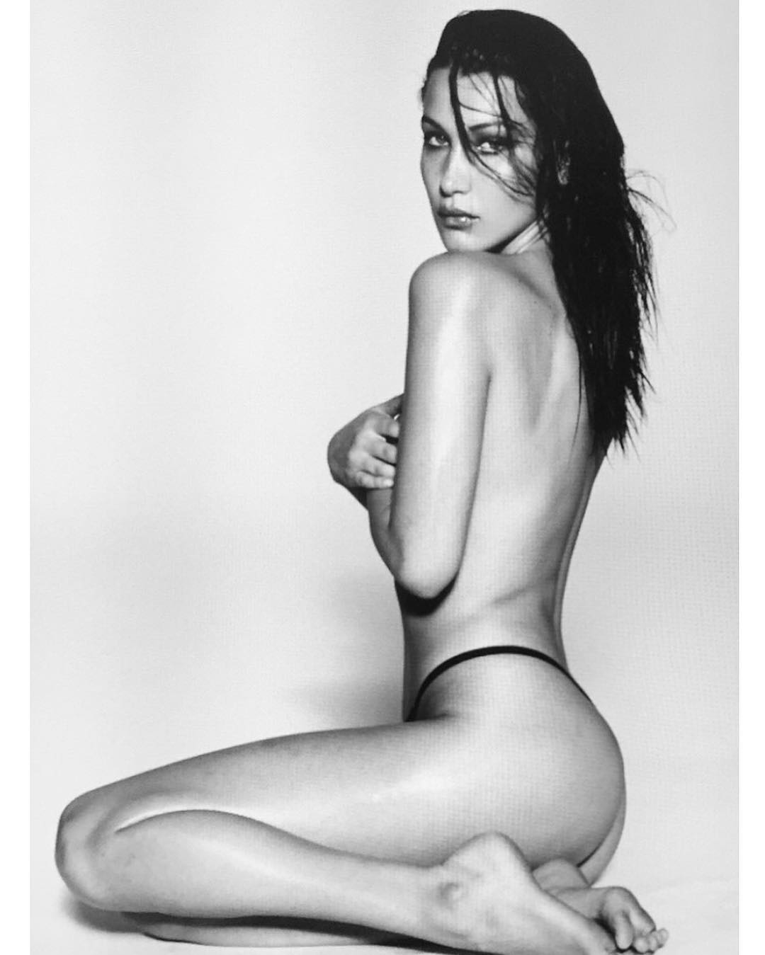 Bella Hadid Topless Photo