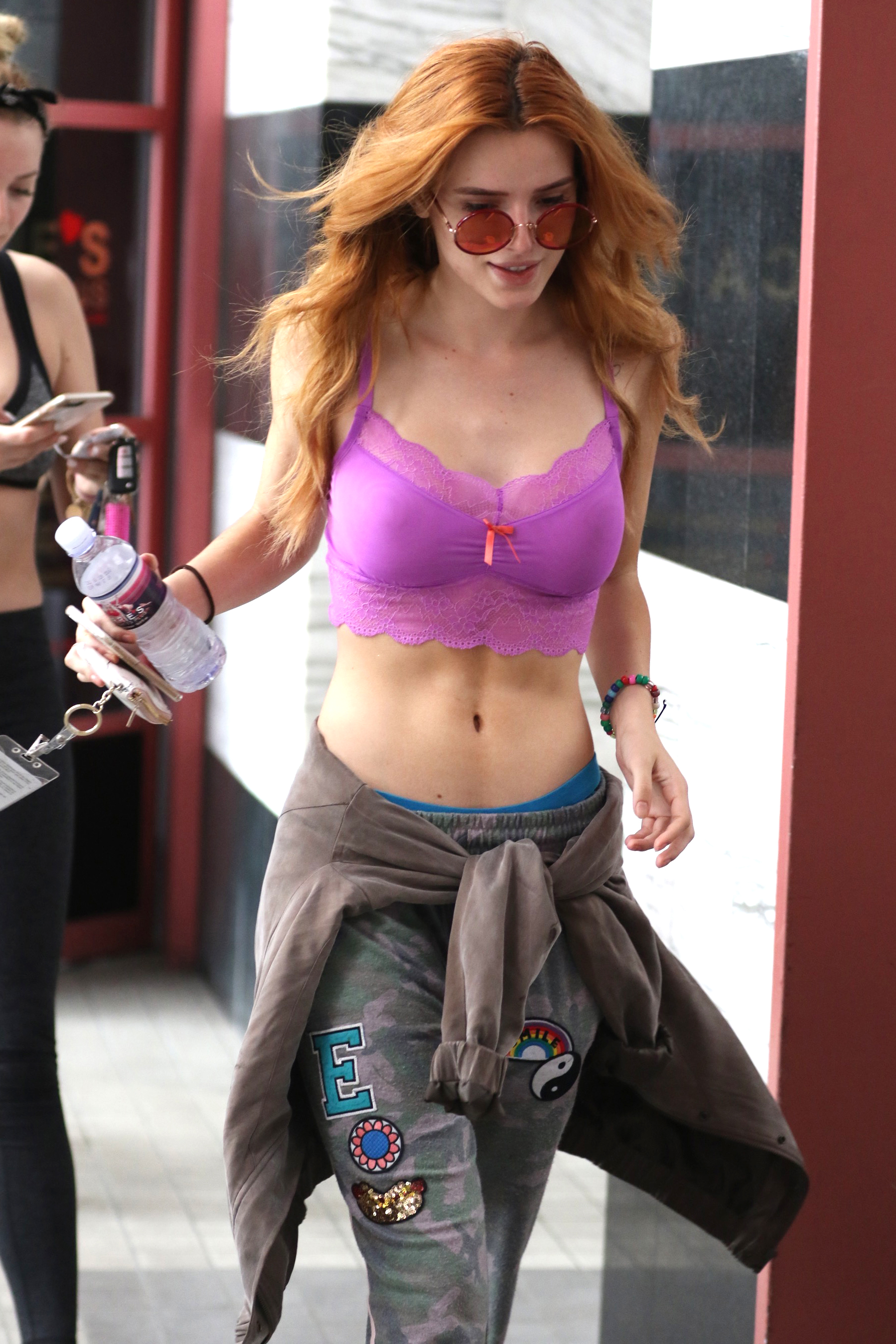 Bella Thorne Sexy Photos