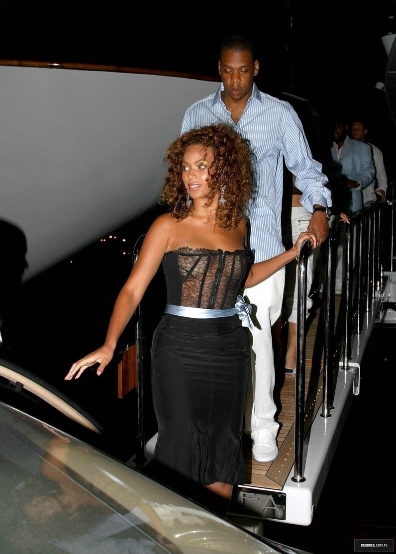 Beyonce See-thru pics 1