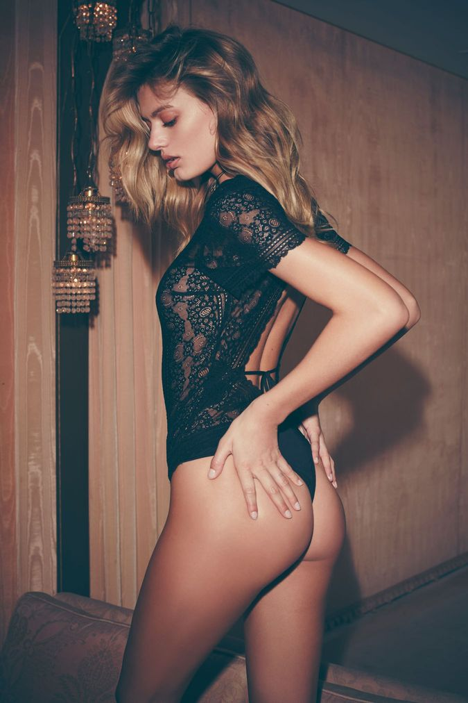 Sexy Photos Of Bregje Hei...