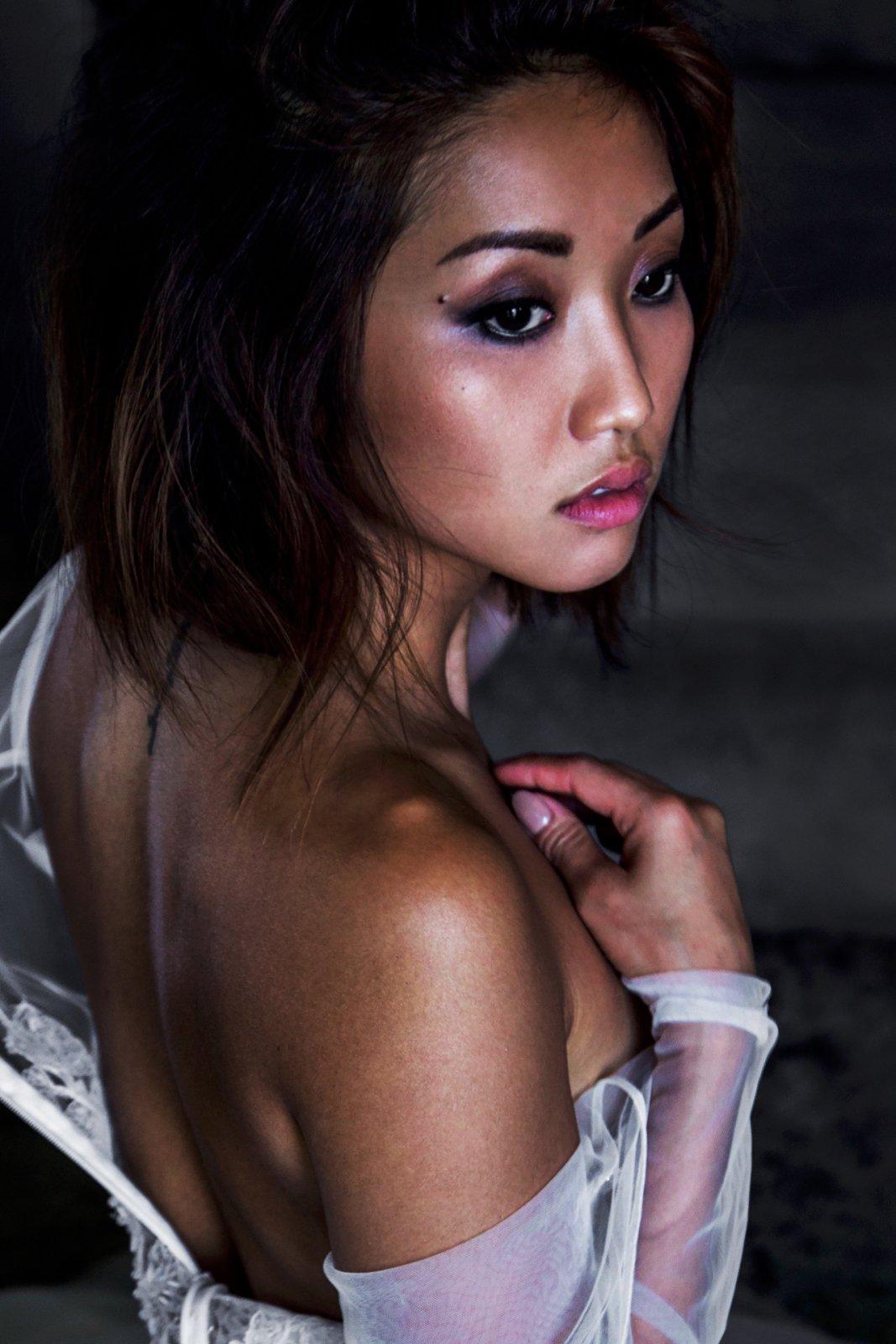 Brenda Song Sexy Pics