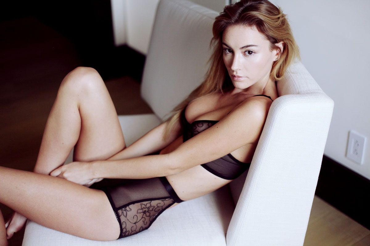 Sexy Photos Of Bryana Hol...