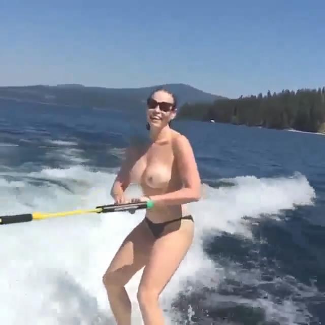 Chelsea Handler Topless P...