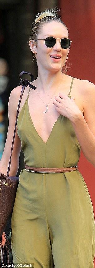 Candice Swanepoel – Braless (4)