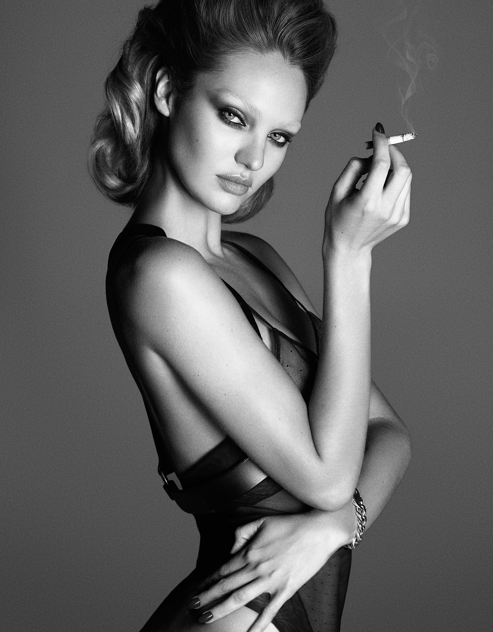 Candice Swanepoel Nude Ph...