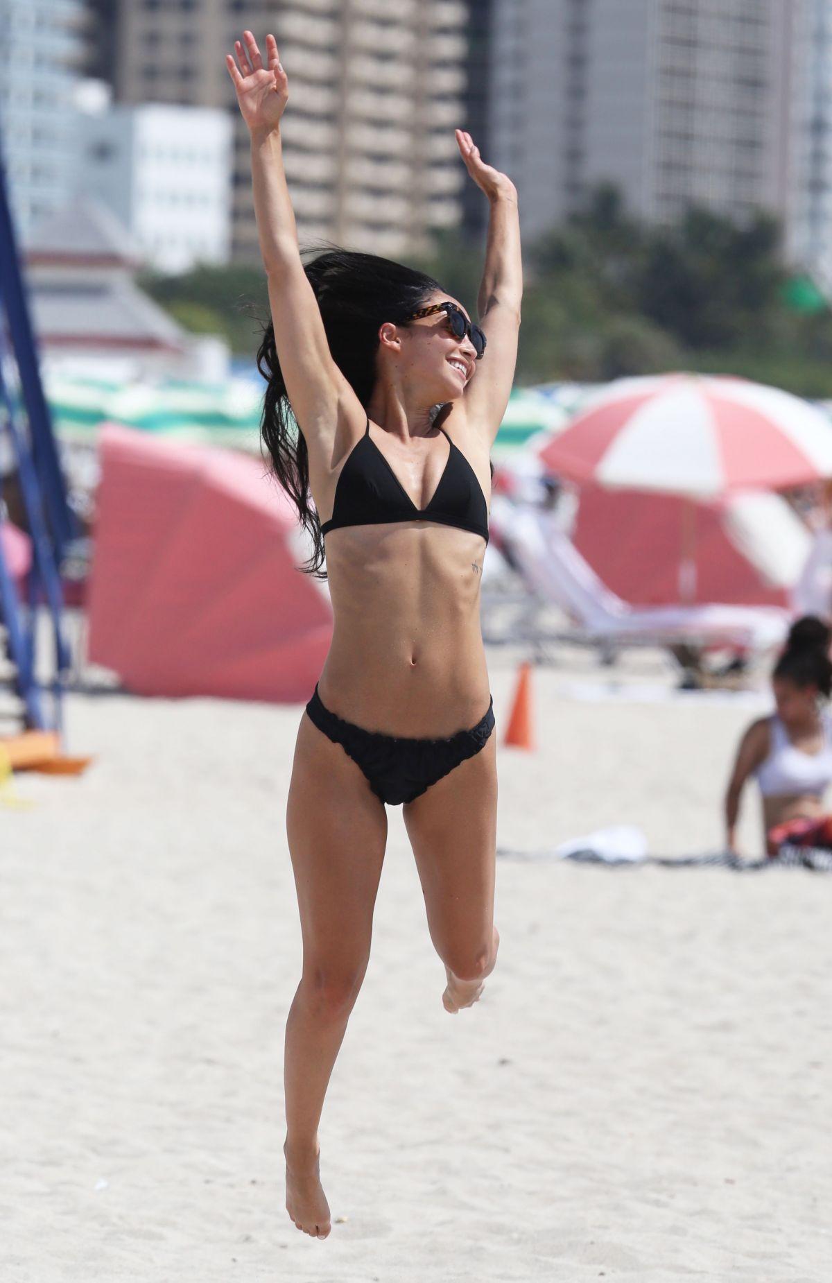 Cara-Santana-in-a-Bikini-10