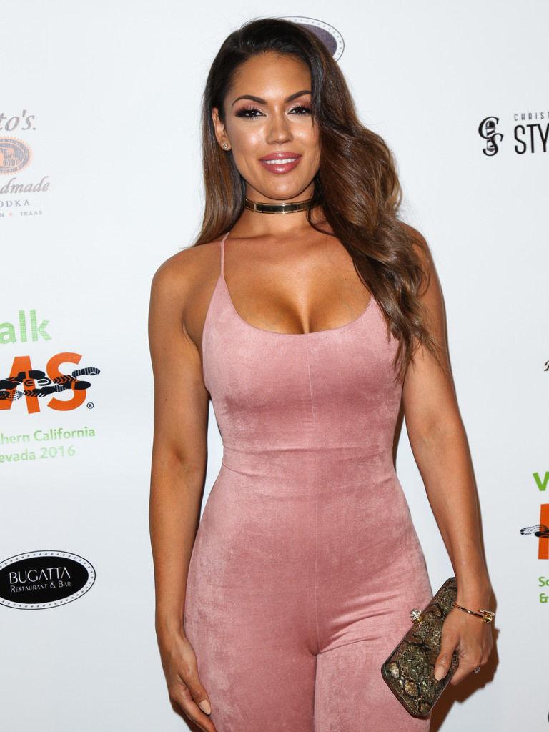 Carissa Rosario Sexy Phot...