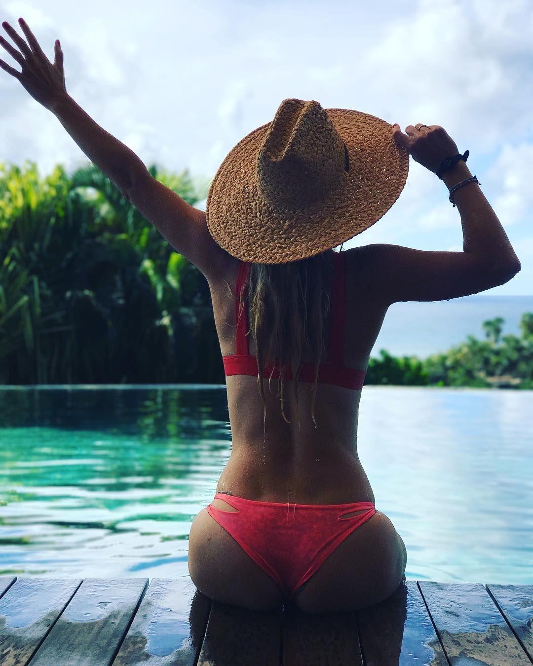 Caroline Wozniacki Sexy P...