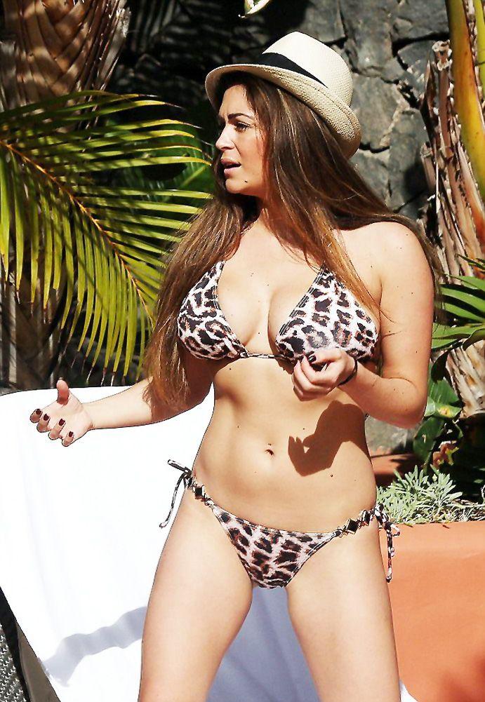 Casey-Batchelor-Bikini-4