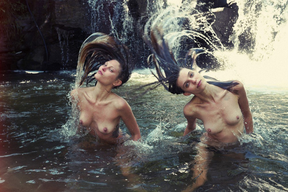 Catherine Mcneil Nude Pho...
