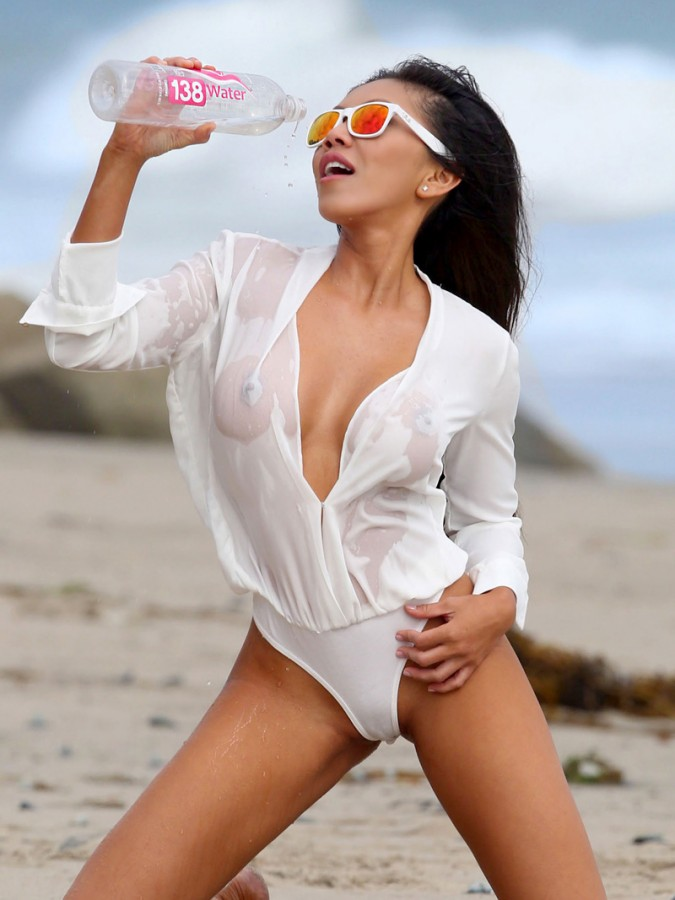 Caya Hefner Wet Shirt 1