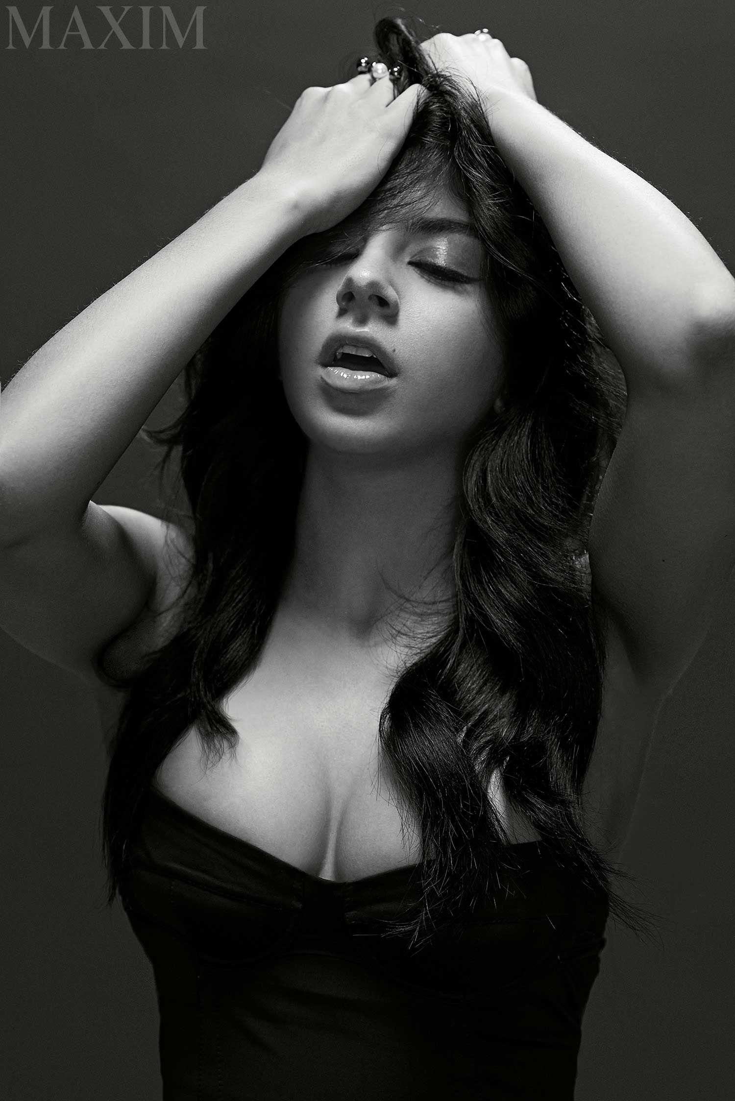 Charli Xcx Sexy Photos
