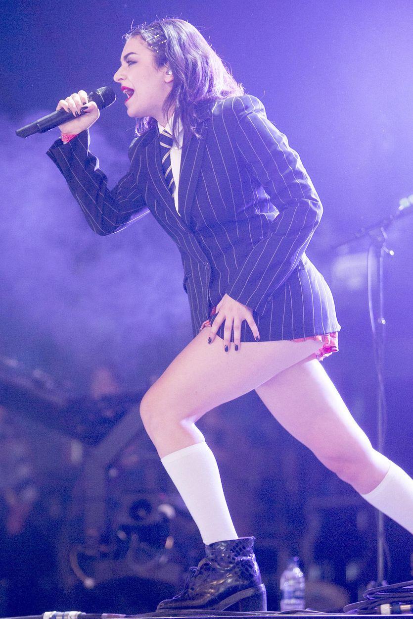 Upskirt Pics Of Charli Xc...