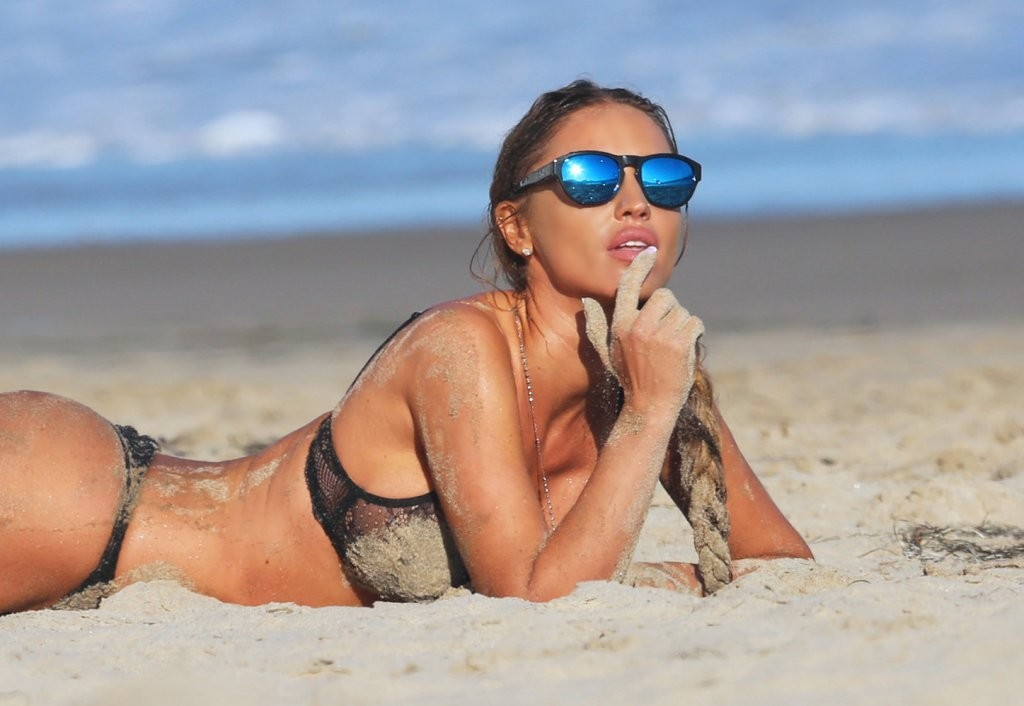 Charlie Riina Hot Photos