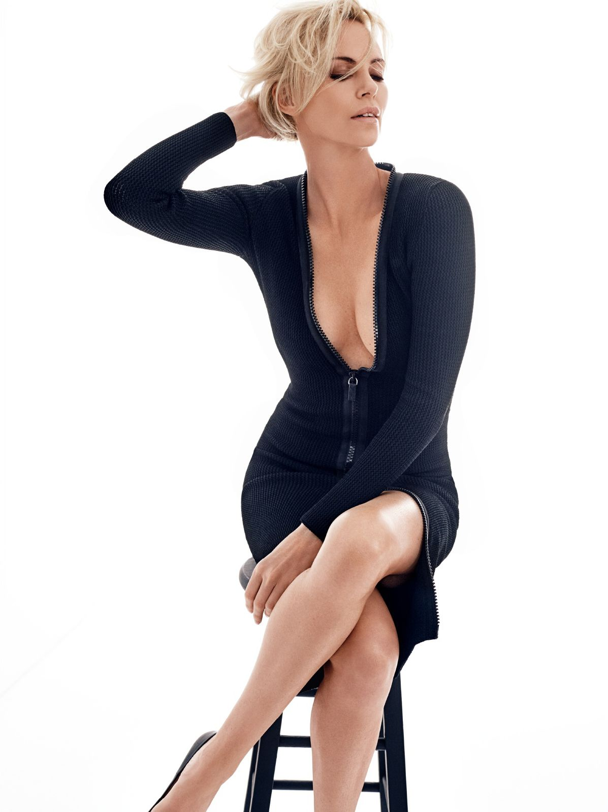 Sexy Photos Of Charlize T...