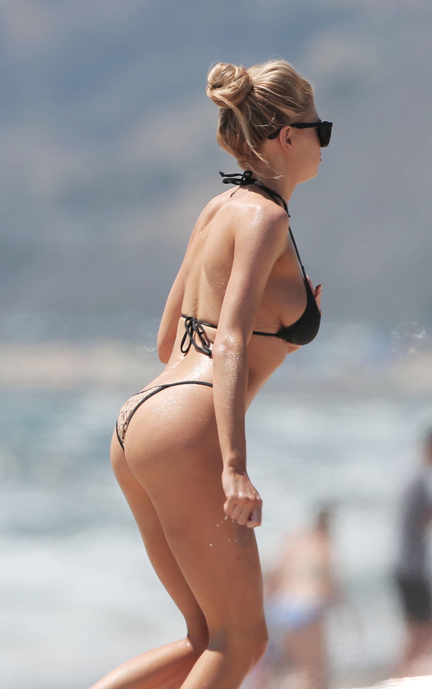 Charlotte Mckinney Sexy P...