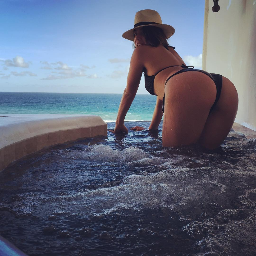Chloe Bennet Sexy Photo