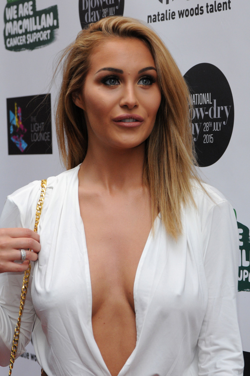 Chloe Goodman Braless Pic...