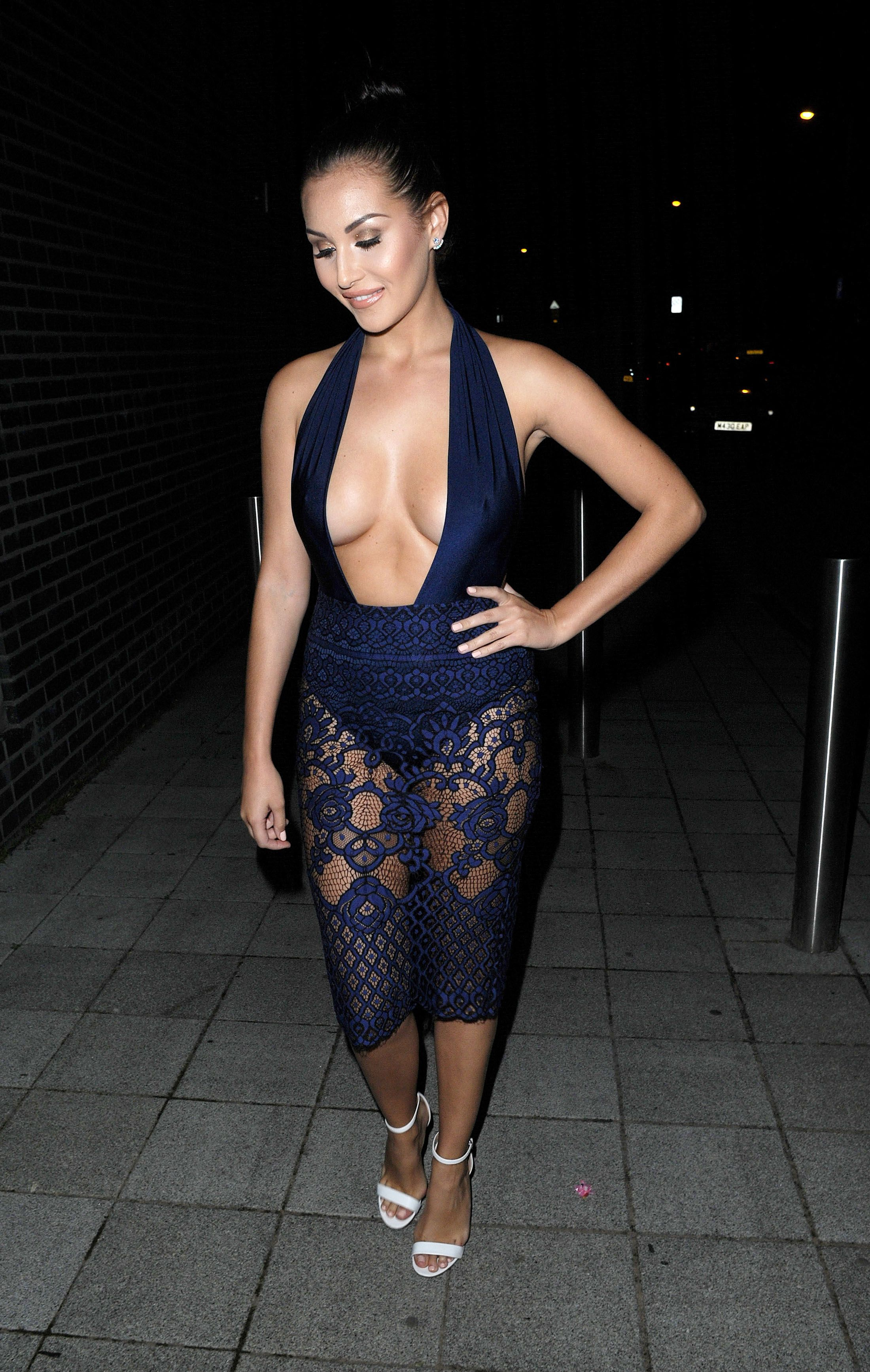 Chloe Goodman Cleavage Ph...
