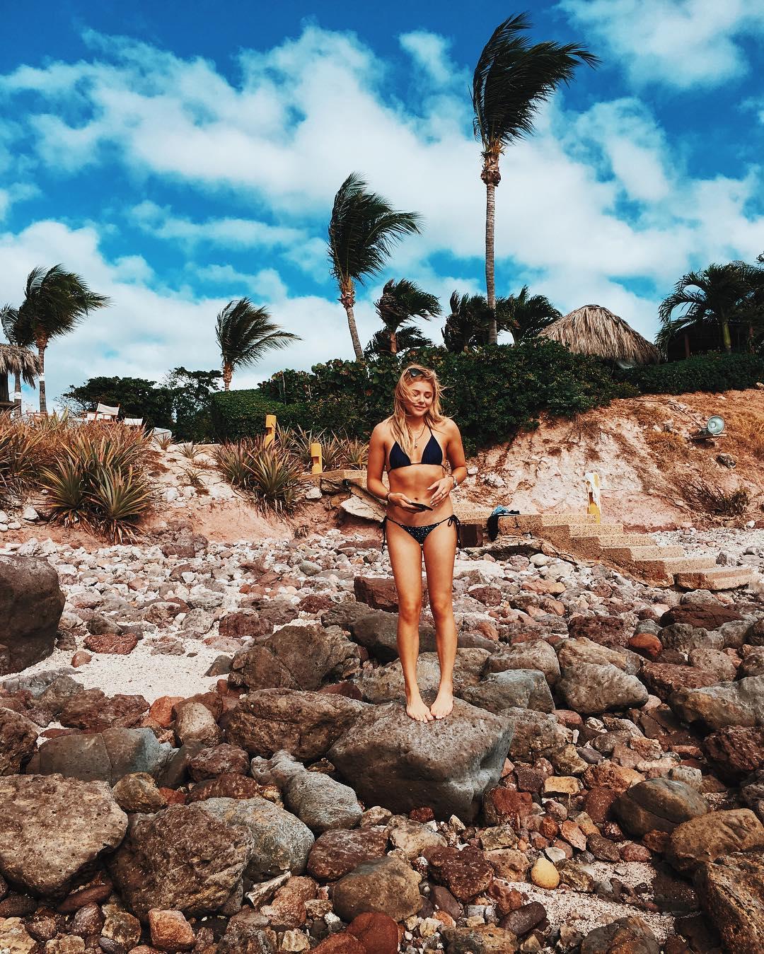 Chloe Grace Moretz Bikini...