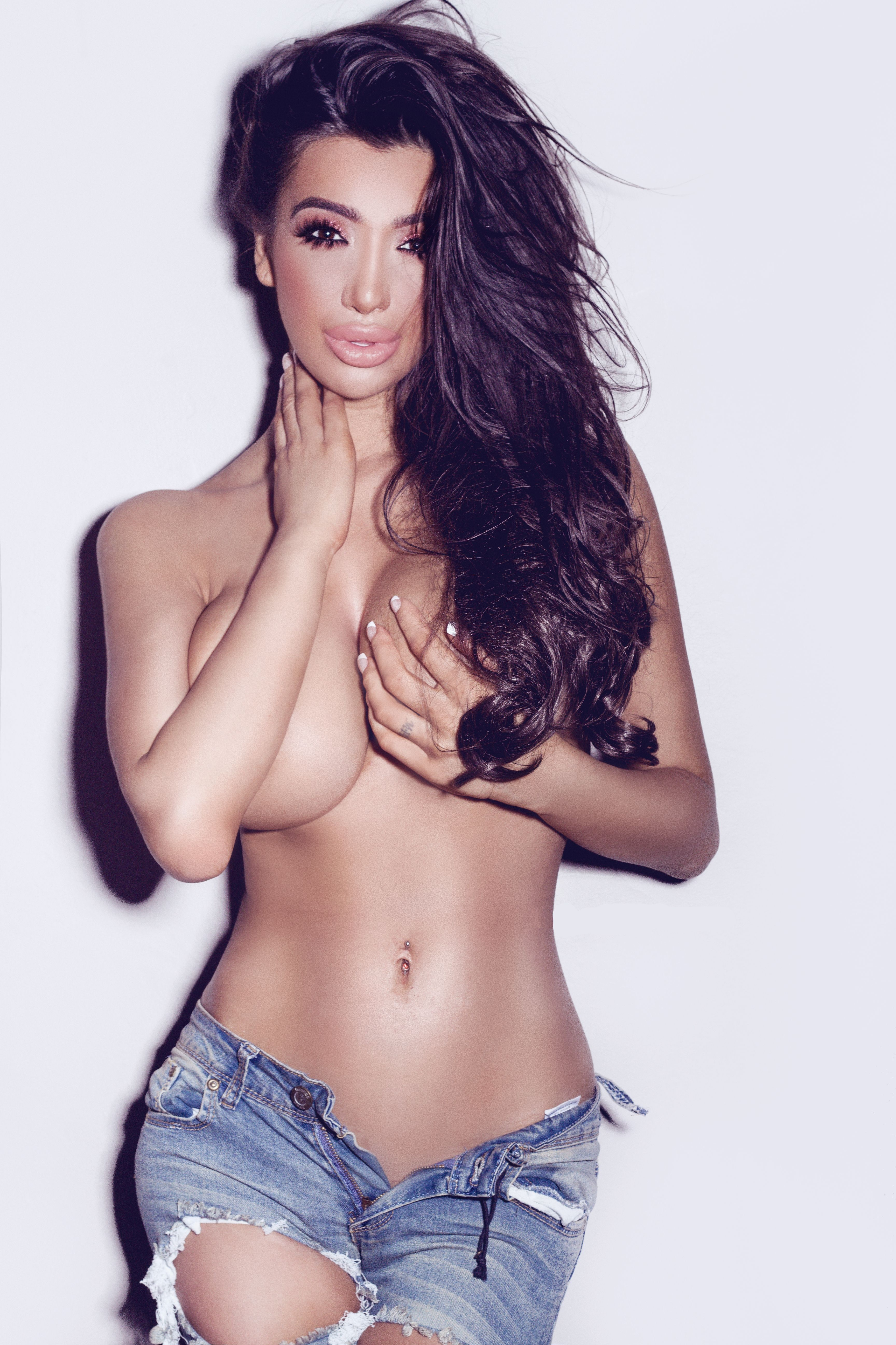 Topless Photos Of Chloe K...