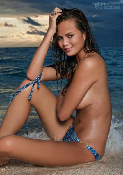 Chrissy Teigen Topless Pi...