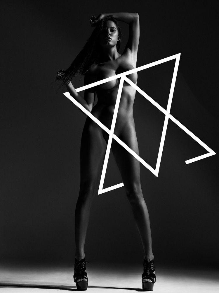 Constance Nunes Nude Pics