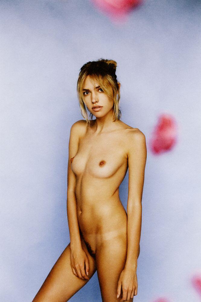 cora-keegan-nude-sexy-3