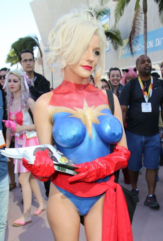 Courtney Stodden Body Pai...