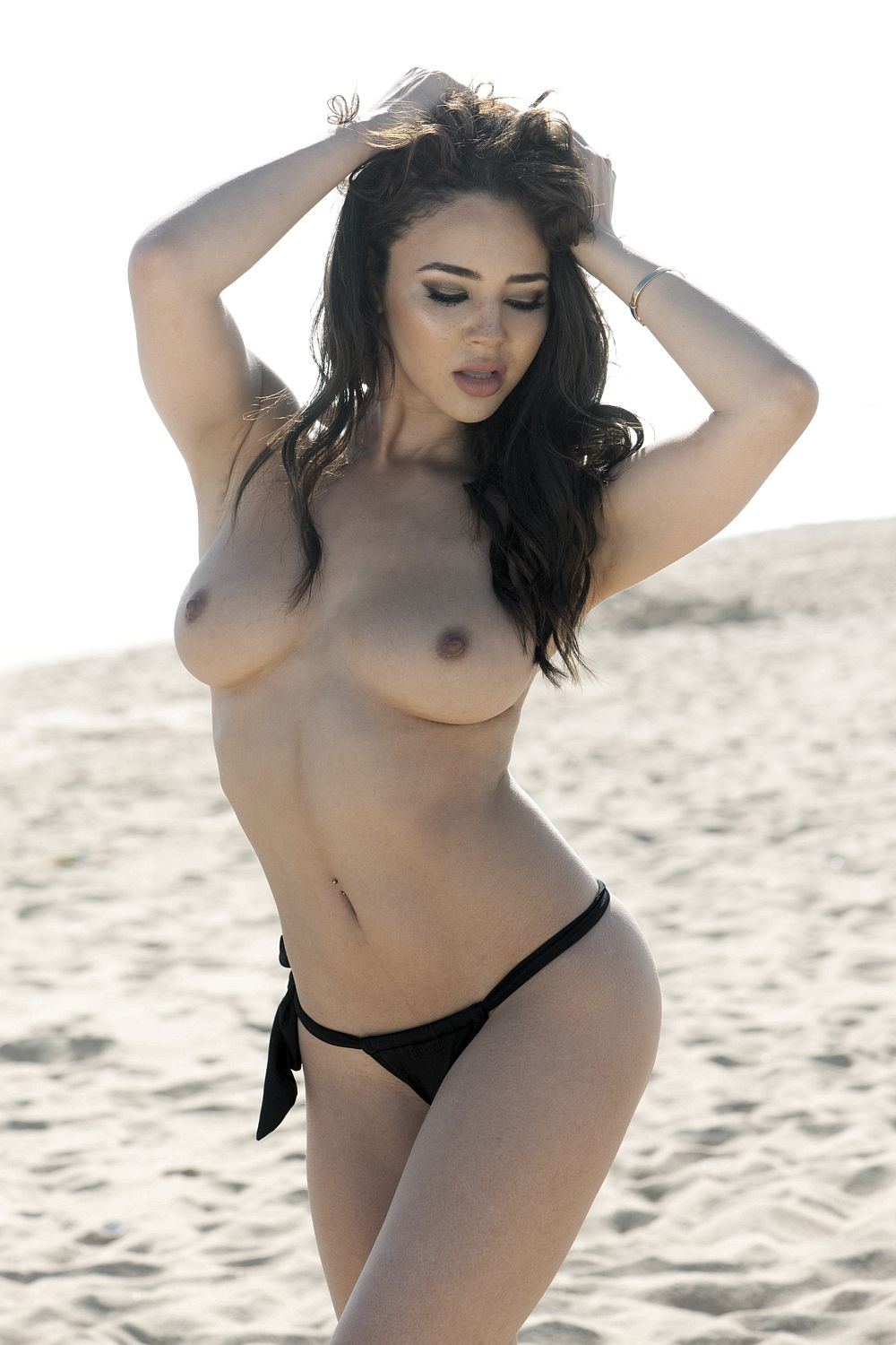 Courtnie Quinlan Topless ...