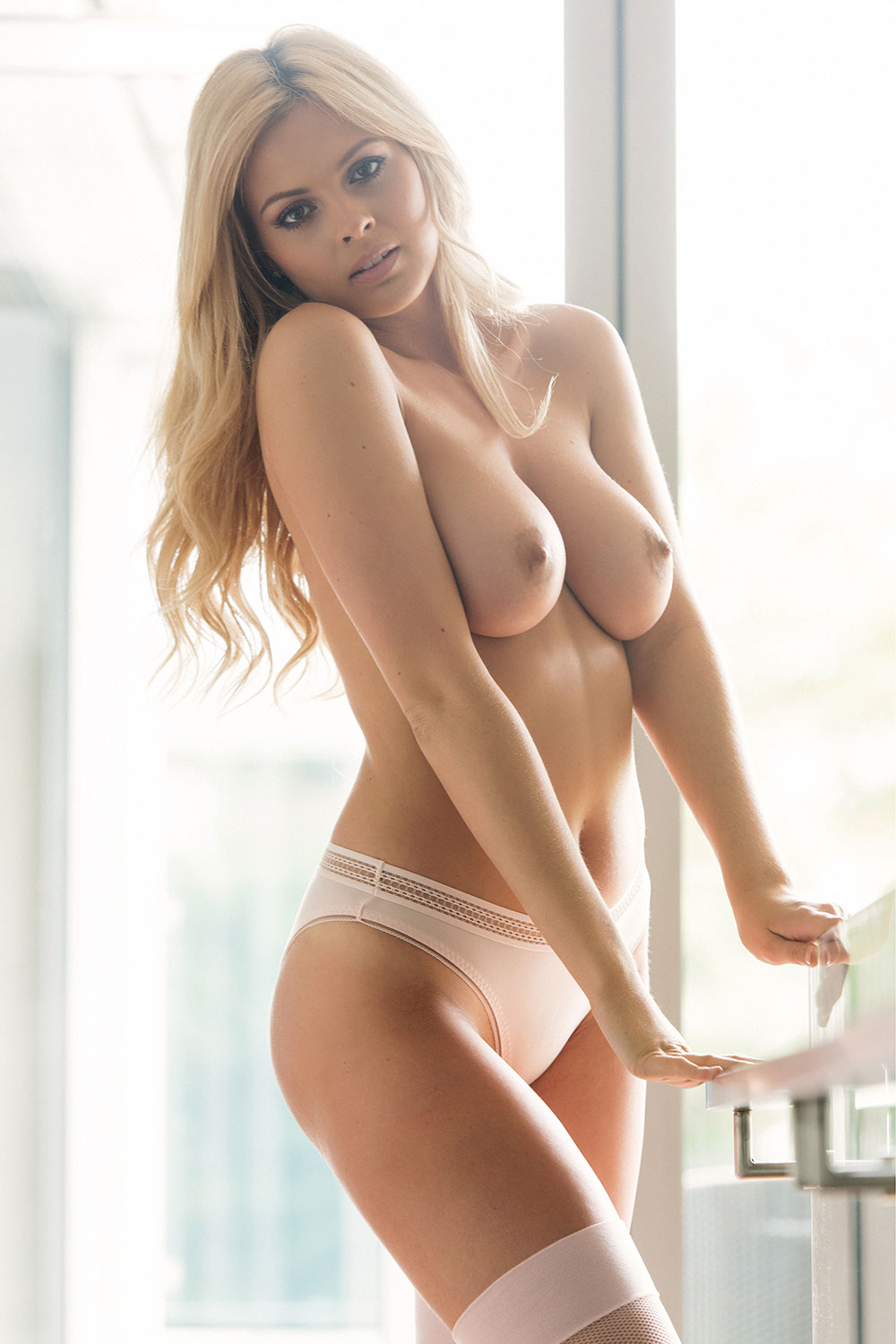 Danielle Sellers Topless ...