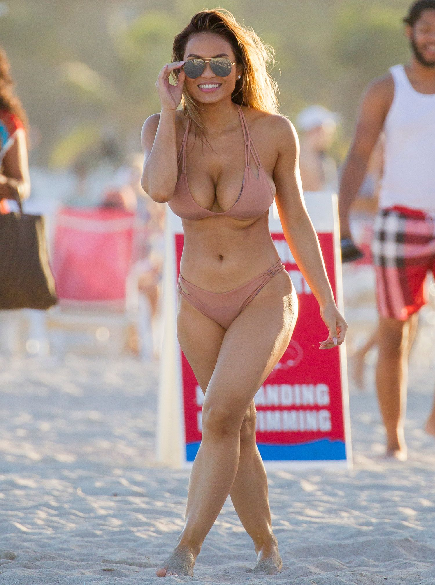 Sexy Pics Of Daphne Joy