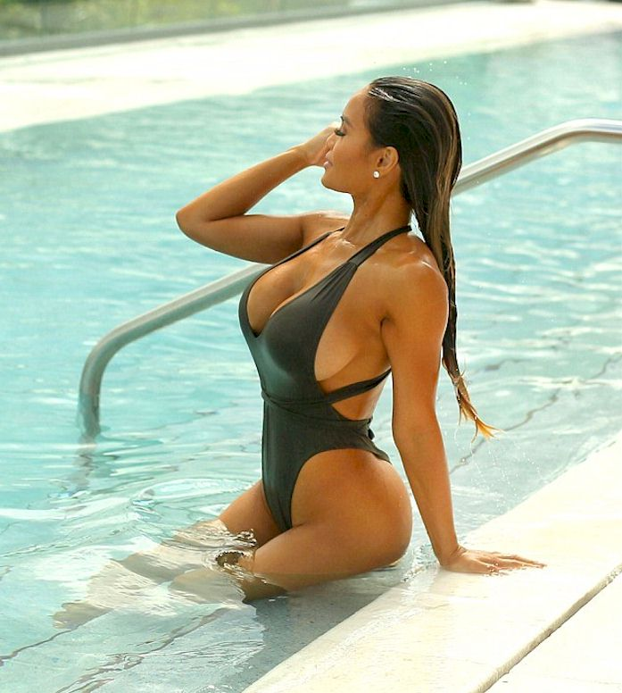 Sexy Photos Of Daphne Joy