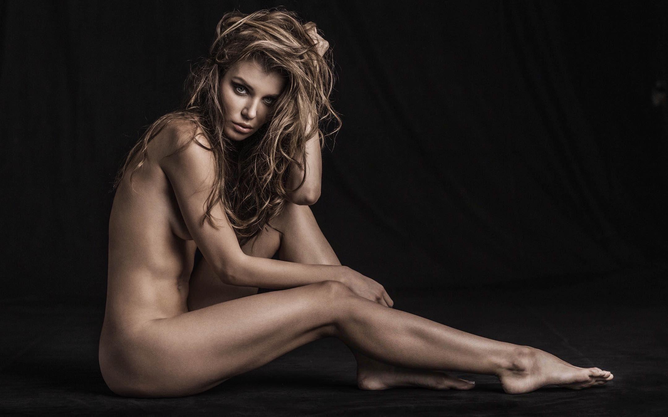 Daria Konovalova Nude Pho...