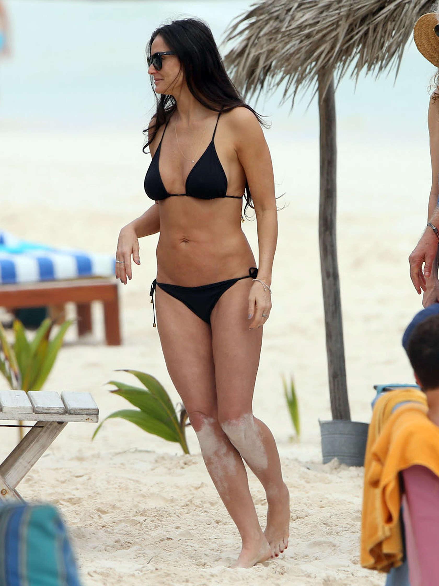 Demi Moore Bikini Pics