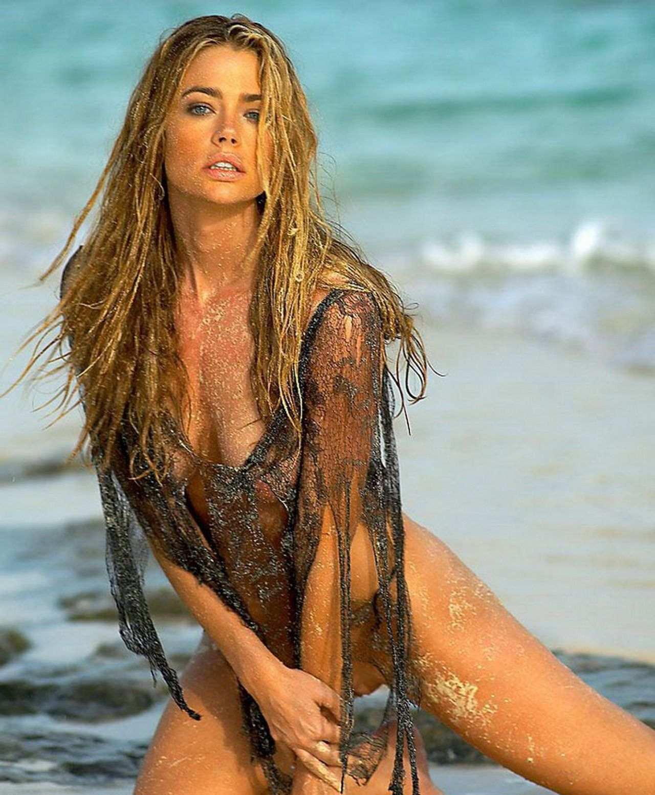 Denise Richards Nude