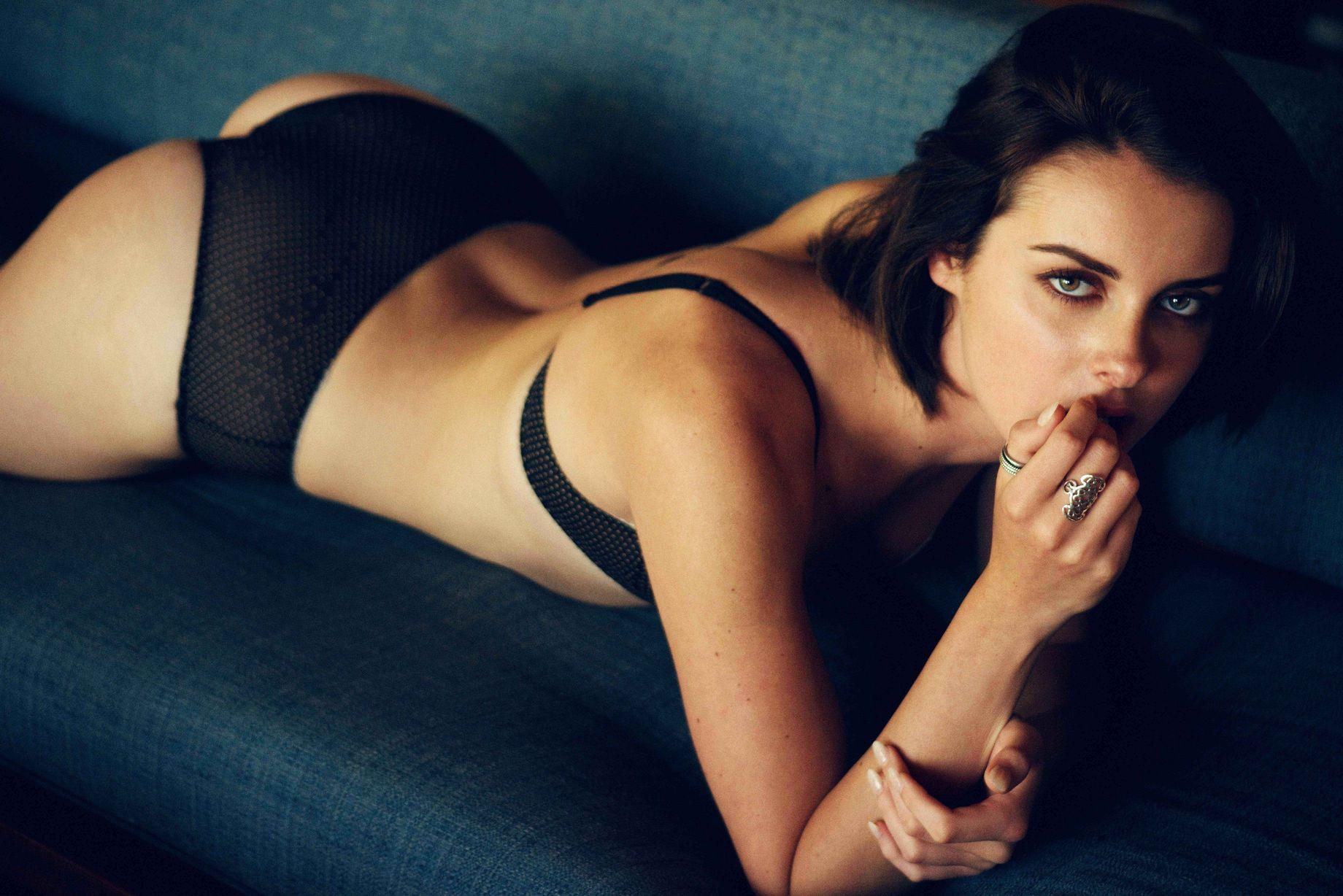 Diana Georgie Sexy Pics