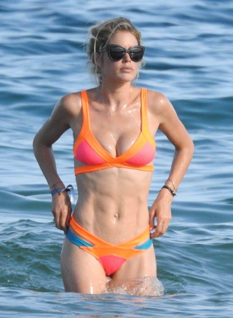 New Bikini Pics Of Doutze...
