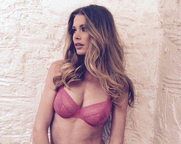 Doutzen Kroes Hot Underwe...