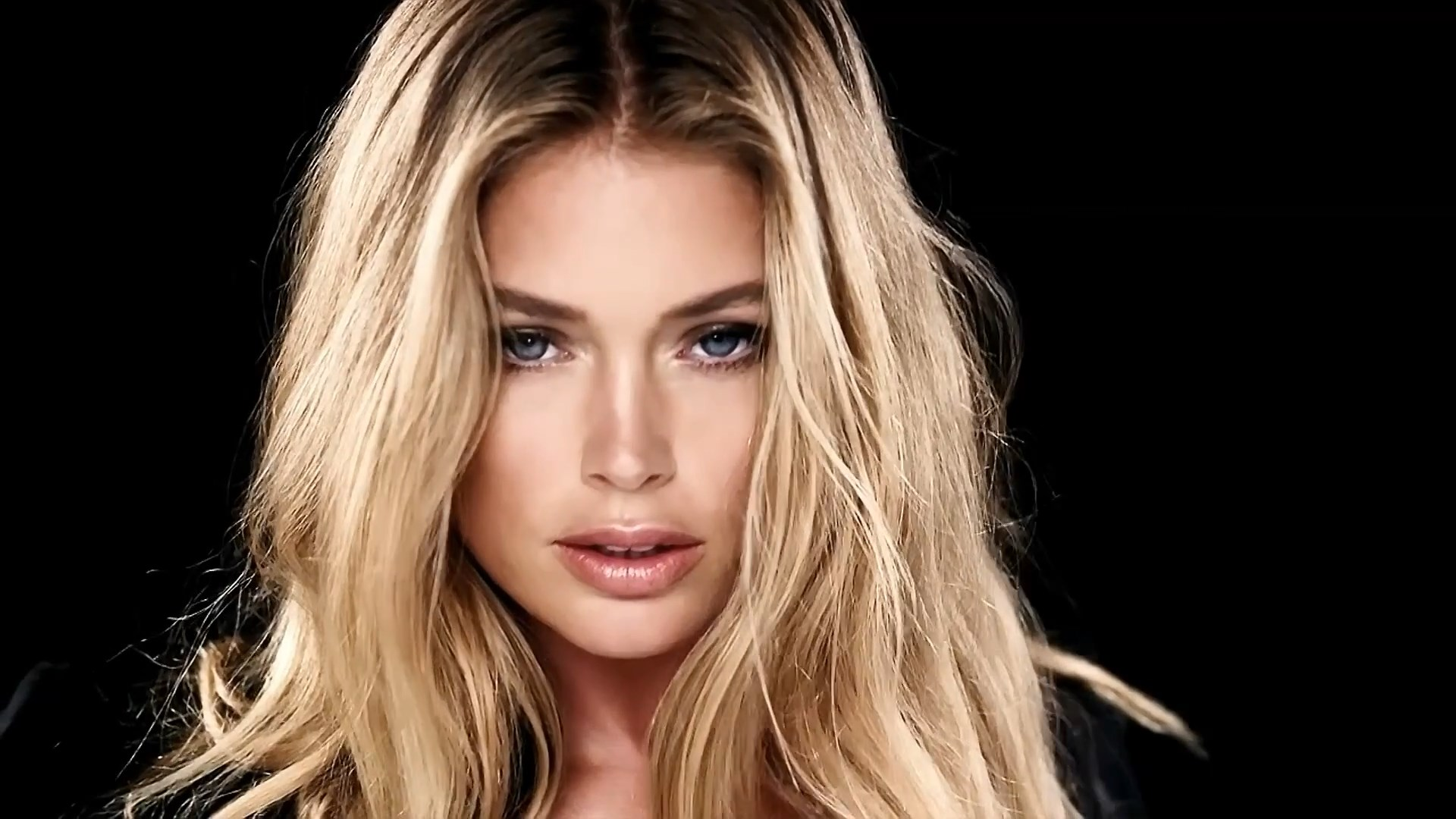 Sexy Photos Of Doutzen Kr...